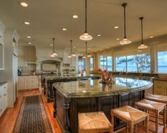 Inspiring 40+ Best Double Kitchen Design Ideas For Cooking Easier https://decoredo.com/8856-40-best-double-kitchen-design-ideas-for-cooking-easier/