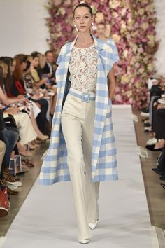 See the Oscar de la Renta Spring 2015 collection on Vogue.com. Checks & lace