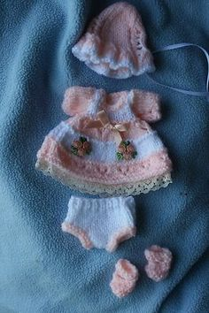 Sculpted OOAK Baby Doll Clothes Outfits this one Minis, Doll Making Tutorials, Babyshower, Clay Baby, Baby Doll Clothes, Tiny Dolls, Bitty Baby, Knitted Dolls, Barbie
