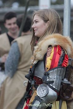 sunandsword: Every knight needs a squire! A fantastic photo of my new ArmStreet arms which match my usual leg armour. I was feeling particularly stunning in my kit a true knight of Averland even if my skin was being a jerk. I love these photos so much thank you Penwoody Photography.