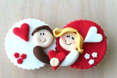 Cupcakes San Valentn Ideas Fondant Wedding Cakes 67 New Ideas Fondant Cupcakes, Fondant Wedding Cakes, Wedding Cakes With Cupcakes, Fondant Toppers, Fun Cupcakes, Cupcake Cakes, Decoration Cupcakes, Heart Cupcakes, Rose Cupcake