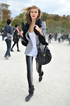 Love this blazer look! Not to mention she is just soooo pretty