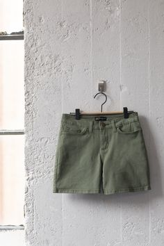 Less is more in our Legendary Short. Made for comfort and coverage, these ultra-cool shorts are a must-have summer style. Their mid rise, regular fit, and 5'' inseam are designed to keep you moving in comfort while providing a laidback look. Available in a number of stylish colors, this comfy-cool style is one you cant be without as the temperature starts to rise.