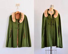vintage 1950s cape - hunter green cape / wool cape / vintage 1950s fur cape
