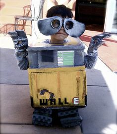 Wall-E Costume plus other cool costume ideas