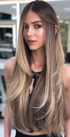 Gorgeous Hair Colors That Will Really Make You Look Younger Brown Hair Balayage, Blonde Hair With Highlights, Brown Blonde Hair, Hair Color Balayage, Balayage Straight Hair, Blonde Balayage, Brunette Hair, Haircuts For Long Hair With Layers, Long Hair Cuts