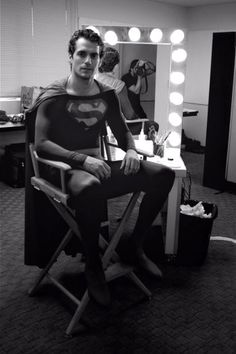 HENRY CAVILL Dons CHRISTOPHER REEVE's SUPERMAN Suit