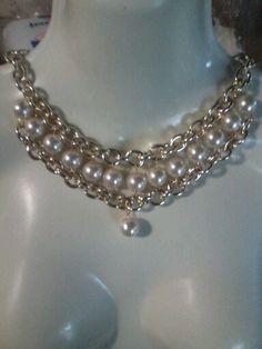 Colllar de cadena y perlas