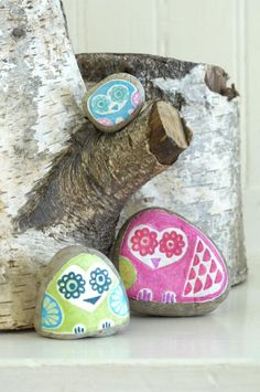 Create a family of owls with painted rocks in this easy spring craft for kids