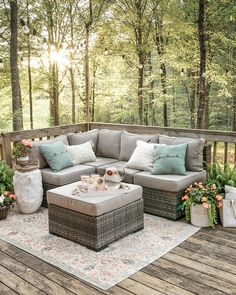 Classy Patio Ideas Including Furniture and Lighting - The First-Hand Fashion News for Females - Pergola Ideas Design Patio, Backyard Patio Designs, Backyard Landscaping, Backyard Ideas, Small Garden Decking Ideas On A Budget, Garden Ideas, Backyard Projects, Outdoor Deck Decorating, Small Deck Decorating Ideas