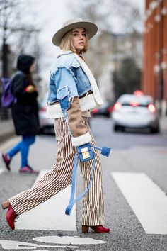 All the Best Street Style Looks (So Far!) From Paris Fashion Week Fashion Week Paris, Fashion Now, Denim Fashion, Fashion Photo, Fashion Looks, Fashion Trends, Autumn Street Style, Street Style Looks, Street Style Women