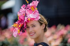 National Fashions on the Field 2015 winner wears Lisa Schaefer Millinery headpiece - Lisa Schaefer Millinery Kentucky Derby Outfit, Kentucky Derby Race, Melbourne Cup Fashion, Spring Racing Carnival, Derby Outfits, Wedding Hats, Wedding Fascinators, Races Fashion, Best Portraits