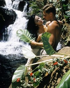 American actor John Kerr - as Lieutenant Joseph Cable, and France Nuyen as Liat, in 'South Pacific', directed by Joshua Logan, South Pacific Movie, France Nuyen, John Kerr, Movie Market, Film Pictures, Photos, Actor John, Old Hollywood Glamour, Movies Showing