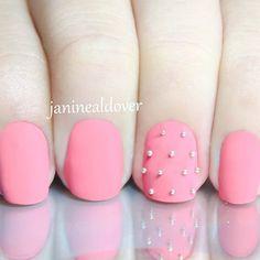 Pink matte nails. Love it ♡ @janinealdover