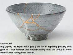 Kintsukuroi (Kintsugi) : What is kintsugi? How can you use kintsugi to repair your broken pottery? What do you need to do Kintsugi? Kintsugi, Japanese Pottery, Japanese Art, Japanese Gold Repair, Renaissance, Bowl Image, St Cuthbert, Imperfection Is Beauty, Art Japonais