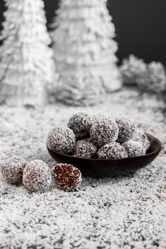 A last minute recipe, for all you procrastinators out there (hint hint – it's us)! We are sharing our Mom's Best Newfoundland Snowball Recipe, also known as boiled oatmeal cookies. Snowball Cookies, Xmas Cookies, Oatmeal Cookies, Cake Cookies, Christmas Snacks, Xmas Food, Christmas Baking, Christmas Candy, Christmas Gifts
