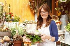 How to Become a Florist | eHow
