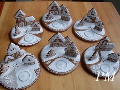 Gingerbread candle holders - just in case you don't know what to do at Christmas ; Gingerbread Village, Gingerbread Decorations, Christmas Gingerbread House, Gingerbread Cookies, Christmas Sugar Cookies, Christmas Sweets, Christmas Cooking, Christmas Goodies, Cookie House