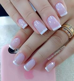 The French girl nails are one of the most classic styles of nail art that exist. Learn to draw them and also how to innovate in manicure! French Tip Nail Designs, French Tip Nails, Nail Art Designs, Nail French, French Manicures, Perfect Nails, Gorgeous Nails, Pretty Nails, Manicure And Pedicure