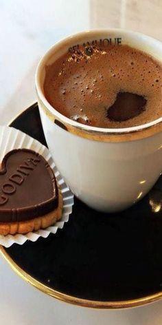 Coffee Break with Godiva - Ana Rosa My Coffee Shop, Coffee Is Life, Coffee Latte, I Love Coffee, Coffee Break, Coffee Time, Morning Coffee, Coffee Cups, Cafe Rico