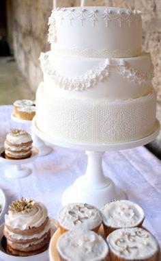 White lace wedding ideas, beautiful❤