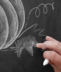 Luxury Pumpkin Chalk Art How To Draw A Chalk Pumpkin Lily Val Living with ucwords] Thanksgiving Chalkboard, Halloween Chalkboard, Chalkboard Art, Chalkboard Designs, Pumpkin Drawing, Pumpkin Art, Pumpkin Painting, Easy Halloween Crafts, Fall Crafts