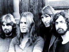 Pink Floyd...GOD I love David Gilmour
