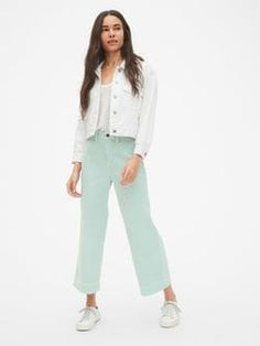 New with tags gap high rise wide leg crop jeans. style retro flare with a nice high waist. Perfect for the monochrome trend. Sz 6 Waist Rise Inseam Leg opening across Wide Leg Jeans, Cropped Jeans, Mint Pants Outfit, Mint Green Pants, Pastel Pants, Street Hijab Fashion, Summer Work Outfits, Fashion Joggers, Casual Outfits