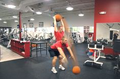 6 Power Medicine Ball Exercises To Dominate Your Core And Blast Your Body — Lean It UP Fitness Polymetric Workout, Gym Workouts, Workout Guide, Up Fitness, Fitness Tips, Trigger Point Massage, Weighted Squats, Muscular System, Team Coaching