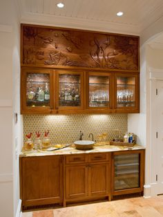 Elegant Liquor Cabinet for Stylish Interior Design: Awesome Inset Wooden Base And Wall Cabinetry Displaying Luxurious Backsplash With Wall L. Modern Kitchen Cabinets, Kitchen Cabinet Design, Modern Kitchen Design, Interior Design Kitchen, Kitchen Cupboard, Cupboard Doors, Home Decor Furniture, Kitchen Furniture, India Home Decor
