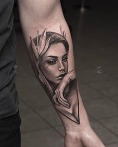 A Hand Tattoos Vrouw is commonly seen as the final word signal of insurrection. It's a painful tattoo and typically … Forarm Tattoos, Face Tattoos, Best Sleeve Tattoos, Tattoo On, Tattoo Photos, Body Art Tattoos, Tatoos, Girl Face Tattoo, Girl Arm Tattoos