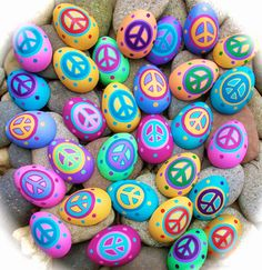 Hi and Happy Easter!  Wishing you Peace, Joy, Love and lots of Chocolate!!  Here are some Easter Peace Rocks that I spread around town!! ...
