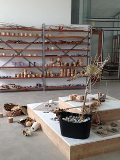 Atelier with natural materials, tiered platform