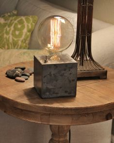 Lámpara de sobremesa cubo hormigón - lámpara Edison