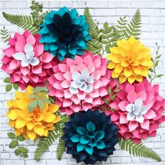 How To Make Paper Flowers At Home - See Mama Go Paper Dahlia, How To Make Paper Flowers, Paper Flowers Craft, Large Paper Flowers, Paper Flower Wall, Paper Roses, Flower Crafts, Diy Flowers, Dahlia Flowers