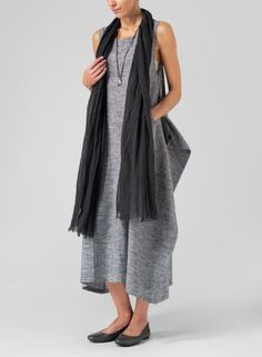 Fresh and appealing, fell in love with this soft and textured linen scarve. Gorgeous, bright and feminine. Its long and wide so you can style it many ways and even wear as a shawl.