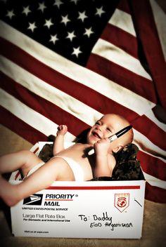 Baby photos during deployment Military Love, Military Photos, Military Baby Pictures, Military Families, Military Dating, Baby Kostüm, Baby Love, Cute Photos, Baby Photos