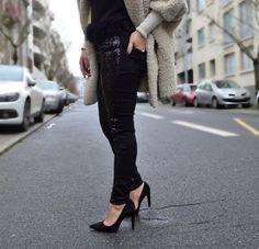 Ce magnifique pantalon skinny à sequins à découvrir sur le blog !! bit.ly/1VBjINE