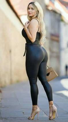 Look Body, Beautiful Girl Image, Beauty Full Girl, Sexy Jeans, Girls Jeans, Sexy Outfits, Hot Girls, Sexy Women, Clothes For Women