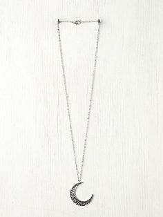 Obsessed with this Moon Crescent Necklace