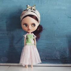 K.Karolin on Instagram: «Her name is NEILE. We've started wearing turbans.. It's serious :D.. soo difficult to find decent size for human...» #customblythe #inmyEtsy #blythestagram #blythecustom #urbanstyle P. S. We also like walking barefoot