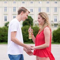 Ätschi, bätschi! 💋 #almdudler #lassunsdudeln #schmusen #fixzam #bussibaby #werschmustistfixzam #fun #spaß #kuss #couple #instagood