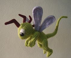 Scooter, #haken, gratis patroon (Engels), amigurumi, knuffel, draak, vlieg, #haakpatroon, #crochet, free pattern (Ravelry, dragon, fly, bug