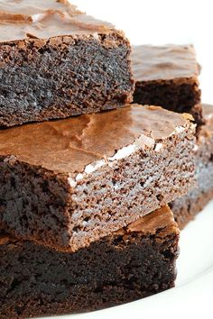 Grandma& Old-Fashioned Rich Fudge Brownies ~ Fudgy, rich and chewy with an incredibly moist interior and a shiny, crackly, flaky top - everything a classic brownie should be! This family recipe dates back to the World War II era! Brownie Desserts, Mini Desserts, Brownie Recipes, Chocolate Desserts, Just Desserts, Cookie Recipes, Delicious Desserts, Dessert Recipes, Yummy Food