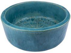 Das handgeformte Waschbecken mit Muster aus Keramik wurde von einer polnischen Künstlerin gemacht. Präsentierte Waschbecken sind handgemacht und gebrannt, dann bemalt und verglast. Die Verglasung...