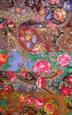 Russian Pavlovsky Posad shawls. They are cosy and beautiful. #folk #beauty #Russian #shawl