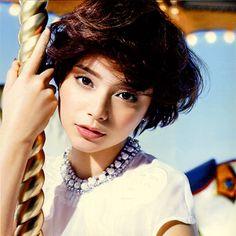 SHISEIDO (Japanese Cosmetics company). INTEGRATE Winter. Model:Cecil Kishimoto.   Lovely girls make up.