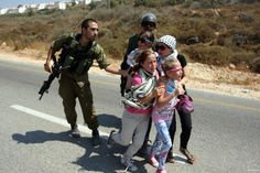Israeli occupation forces have arrested 483 Palestinian children since the start of the Prisoners and Freed Prisoners Committee announced yesterday. Quds Press reported the official Palestini. Palestine History, Palestine Girl, Human Rights Watch, Love You Images, Innocent Child, Shia Islam, Apartheid, We Are The World, Kawaii