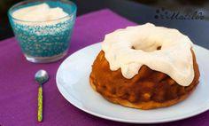 Pastel de caquis con crema de mascarpone y caquis