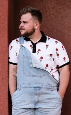 Chubstr talks to Shane Stinson about body-positivity, his process of finding himself, trans identity within the body positive movement, style inspiration, and his ride-or-die wardrobe faves. Chubby Men Fashion, Large Men Fashion, Fat Fashion, Queer Fashion, Androgynous Fashion, Look Fashion, Plus Size Fashion, Womens Fashion, Looks Plus Size